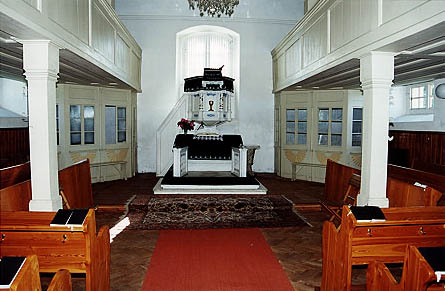 Interiér evangelického kostela v Křížlicích